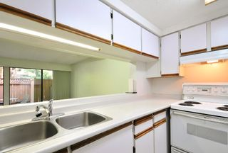 Photo 9: 9038 CENTAURUS CIRCLE in Burnaby: Simon Fraser Hills Townhouse for sale (Burnaby North)  : MLS®# R2077459