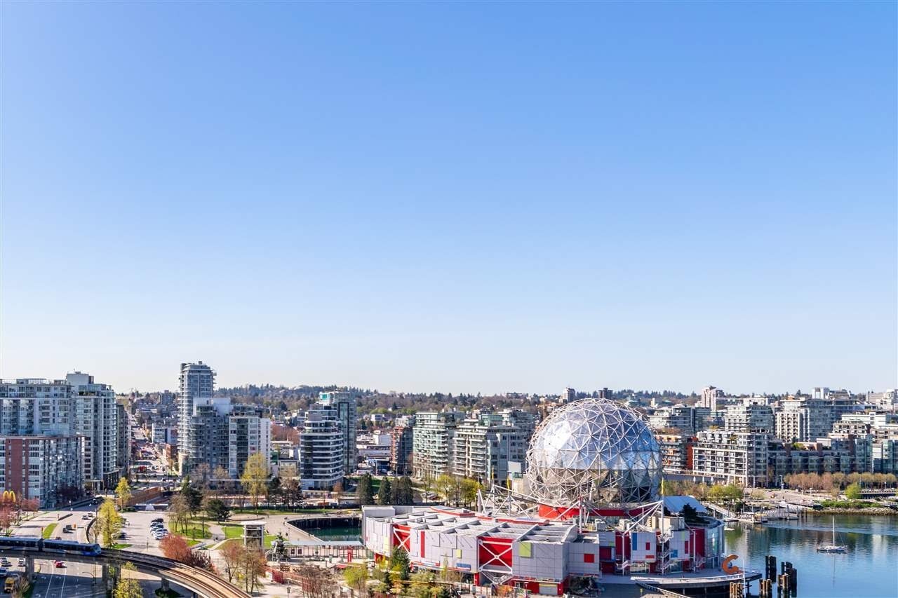 """Photo 4: Photos: 1605 120 MILROSS Avenue in Vancouver: Downtown VE Condo for sale in """"THE BRIGHTON BY BOSA"""" (Vancouver East)  : MLS®# R2568798"""