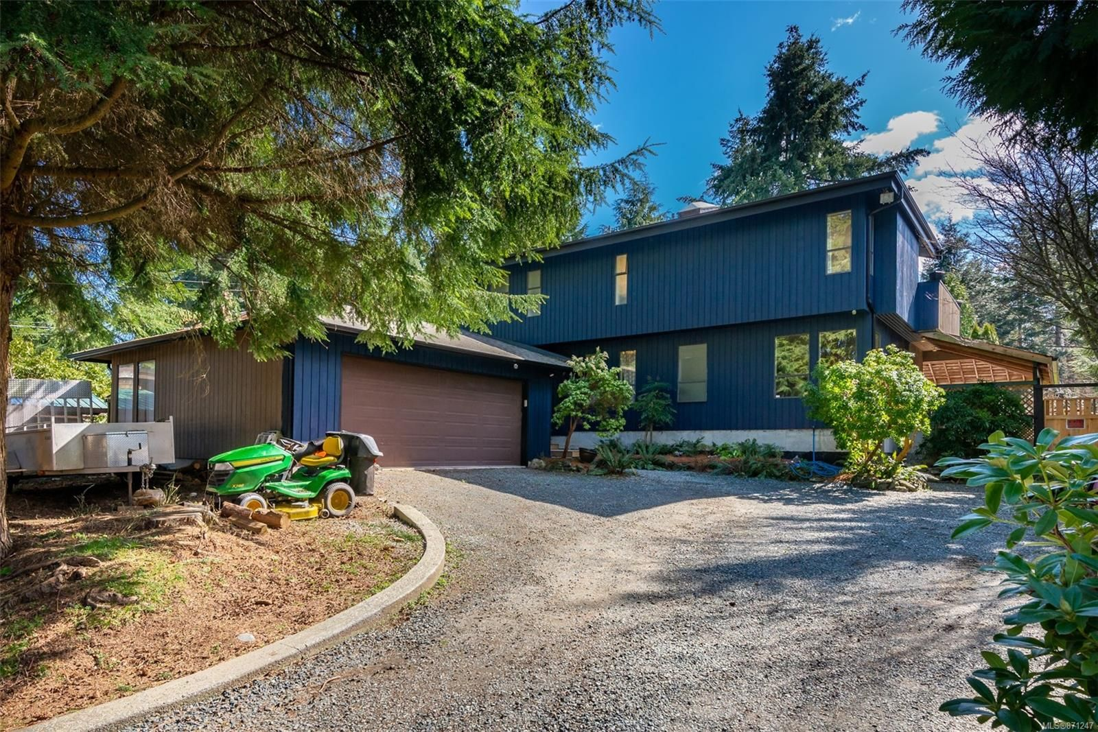 Main Photo: 211 Finch Rd in : CR Campbell River South House for sale (Campbell River)  : MLS®# 871247