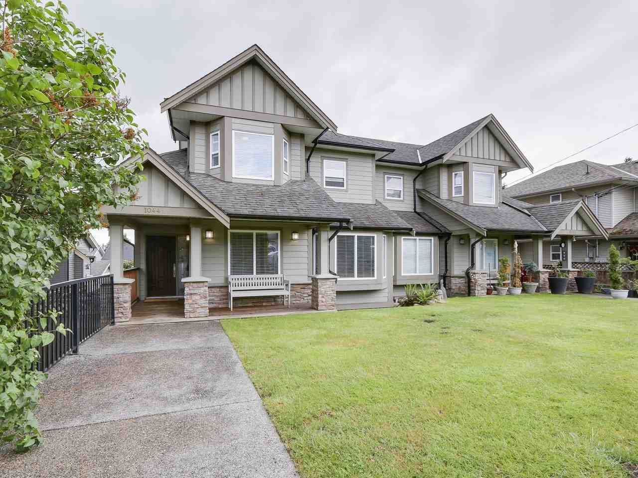 Main Photo: 1044B CHARLAND Avenue in Coquitlam: Central Coquitlam 1/2 Duplex for sale : MLS®# R2172343