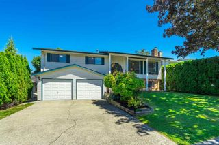 Photo 3: 3686 PERTH Street in Abbotsford: Central Abbotsford House for sale : MLS®# R2595012