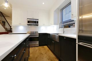 Photo 9: 310 E 5TH Street in North Vancouver: Lower Lonsdale 1/2 Duplex for sale : MLS®# R2330089