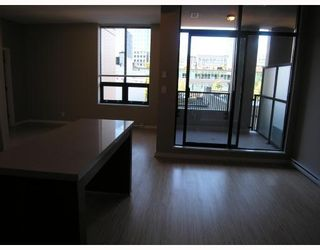 "Photo 3: 401 531 BEATTY Street in Vancouver: Downtown VW Condo for sale in ""531 BEATTY"" (Vancouver West)  : MLS®# V667517"