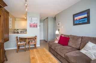 "Photo 3: 901 1146 HARWOOD Street in Vancouver: West End VW Condo for sale in ""The Lamplighter"" (Vancouver West)  : MLS®# R2376230"