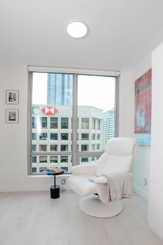 """Photo 7: 2505 1200 W GEORGIA Street in Vancouver: West End VW Condo for sale in """"Residence on Georgia"""" (Vancouver West)  : MLS®# R2613256"""