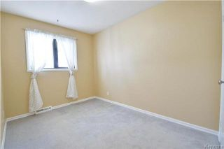 Photo 8: 550 Berwick Place in Winnipeg: Lord Roberts Residential for sale (1Aw)  : MLS®# 1800762