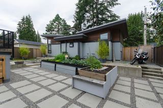 Photo 32: 328 E 22ND Street in North Vancouver: Central Lonsdale House for sale : MLS®# R2084108