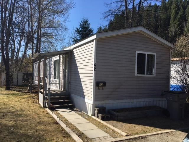 """Photo 1: Photos: 42 654 NORTH FRASER Drive in Quesnel: Quesnel - Town Manufactured Home for sale in """"RIVER WALK MOBILE HOME PARK"""" (Quesnel (Zone 28))  : MLS®# R2573309"""