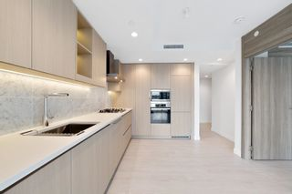 """Photo 8: 1214 1768 COOK Street in Vancouver: False Creek Condo for sale in """"Venue One"""" (Vancouver West)  : MLS®# R2625843"""