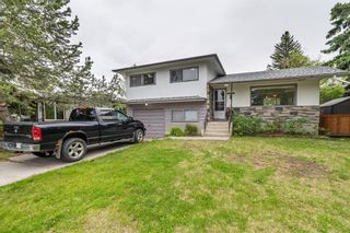 Photo 1: 2820 GRANT Crescent SW in Calgary: Glenbrook Detached for sale : MLS®# A1118320