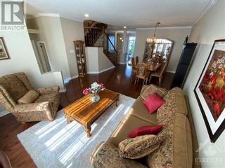 Photo 4: 22 GREATWOOD CRESCENT in Ottawa: House for sale : MLS®# 1258576