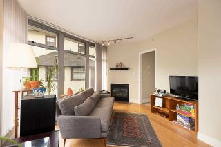 """Photo 5: 201 2965 FIR Street in Vancouver: Fairview VW Condo for sale in """"Crystle Court"""" (Vancouver West)  : MLS®# R2582689"""