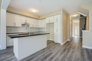 Photo 5: 21 Heaven Crescent in Milton: Ford House (2-Storey) for lease : MLS®# W4093311