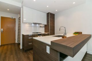 """Photo 2: 2902 4688 KINGSWAY in Burnaby: Metrotown Condo for sale in """"Station Square"""" (Burnaby South)  : MLS®# R2235331"""