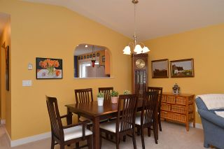 """Photo 16: 5704 EMILY Way in Sechelt: Sechelt District House for sale in """"CASCADE"""" (Sunshine Coast)  : MLS®# R2144070"""
