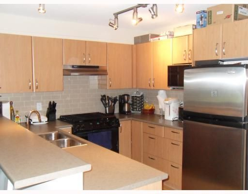 """Main Photo: 204 4783 DAWSON Street in Burnaby: Brentwood Park Condo for sale in """"COLLAGE"""" (Burnaby North)  : MLS®# V808325"""
