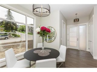 Photo 3: 1942 28 Avenue SW in Calgary: South Calgary House for sale : MLS®# C4097126