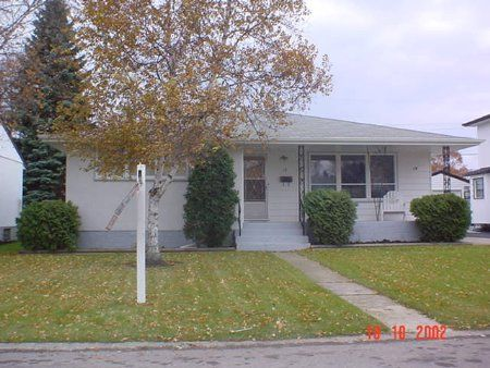 Main Photo: 19 Conifer: Residential for sale (Windsor Park)