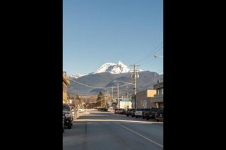 """Photo 19: 204 38003 SECOND Avenue in Squamish: Downtown SQ Condo for sale in """"SQUAMISH POINTE"""" : MLS®# R2327288"""