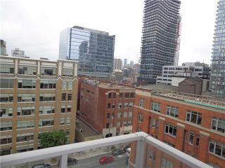 Photo 2: 36 Charlotte St Unit #902 in Toronto: Waterfront Communities C1 Condo for sale (Toronto C01)  : MLS®# C3562647