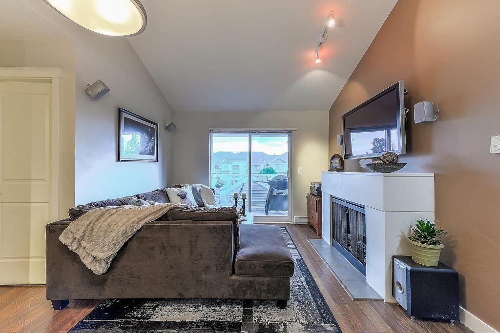 "Photo 3: Photos: 401 19366 65 Avenue in Surrey: Clayton Condo for sale in ""LIBERTY"" (Cloverdale)  : MLS®# R2213841"