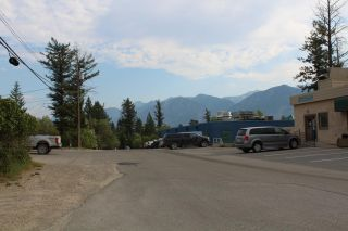 Photo 4: 1006 8TH AVENUE in Invermere: House for sale : MLS®# 2460047
