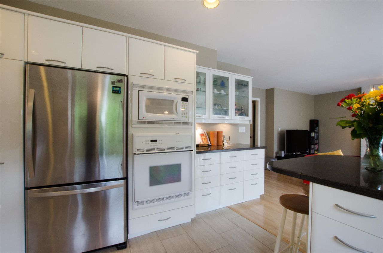 """Photo 8: Photos: 6159 45 Avenue in Delta: Holly House for sale in """"Sunrise"""" (Ladner)  : MLS®# R2284913"""
