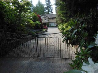 """Photo 2: 3866 LONSDALE Avenue in North Vancouver: Upper Lonsdale House for sale in """"UPPER LONSDALE"""" : MLS®# V1123324"""