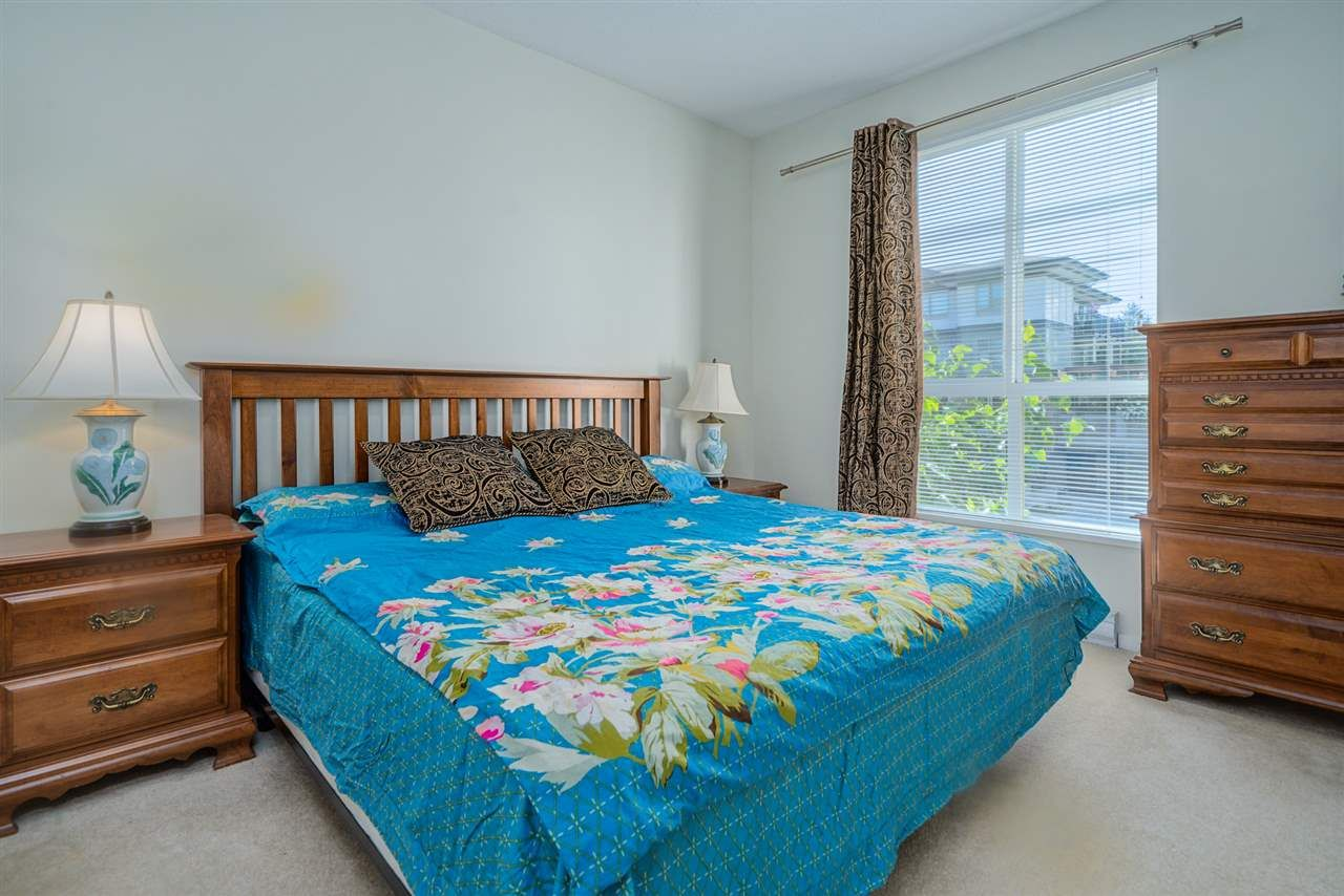 """Photo 14: Photos: 216 3107 WINDSOR Gate in Coquitlam: New Horizons Condo for sale in """"BRADLEY HOUSE"""" : MLS®# R2481599"""