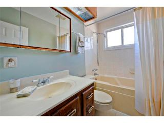 Photo 18: 2931 LATHOM Crescent SW in Calgary: Lakeview House for sale : MLS®# C4006222