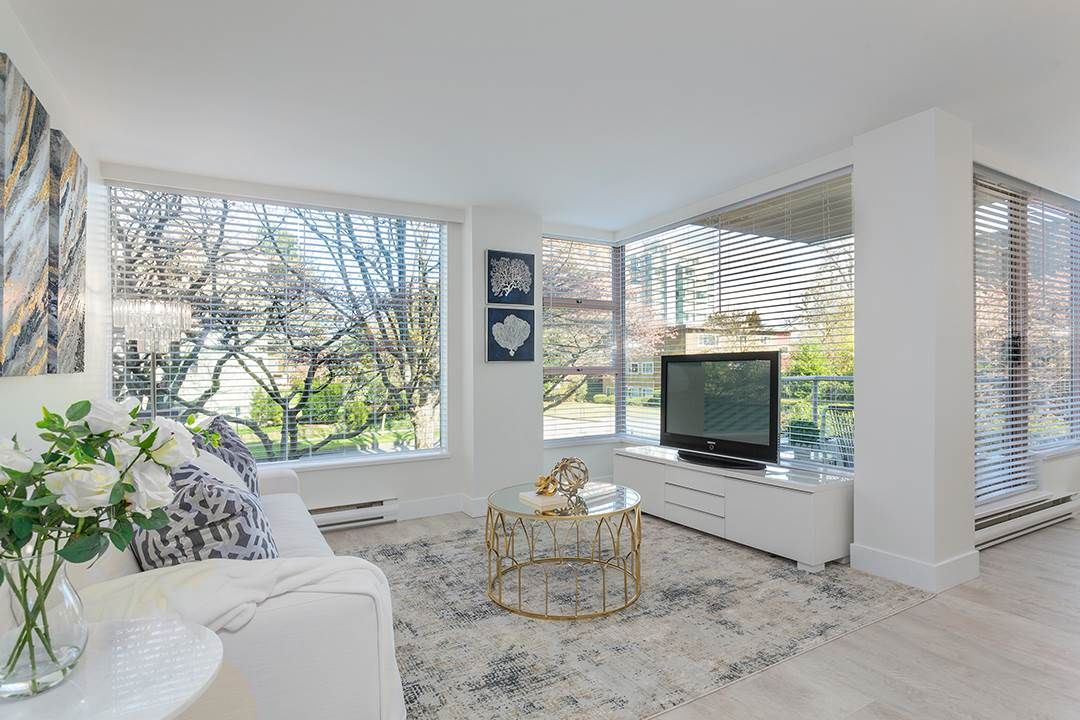 Main Photo: 204 2350 W 39TH Avenue in Vancouver: Kerrisdale Condo for sale (Vancouver West)  : MLS®# R2559733