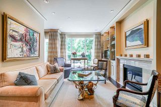 Photo 2: 202 428 BEACH Crescent in Vancouver: Yaletown Townhouse for sale (Vancouver West)  : MLS®# R2476776