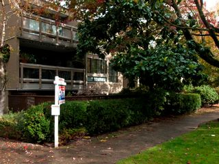 """Photo 29: 105 1299 W 7TH Avenue in Vancouver: Fairview VW Condo for sale in """"MARBELLA"""" (Vancouver West)  : MLS®# V935816"""