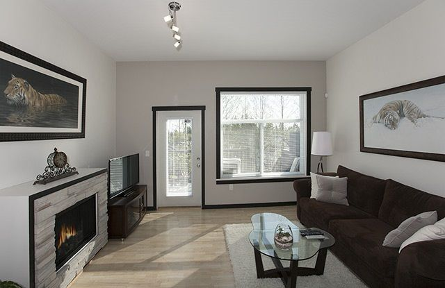 """Photo 6: Photos: 39 15075 60 Avenue in Surrey: Sullivan Station Townhouse for sale in """"NATURE'S WALK"""" : MLS®# R2052983"""