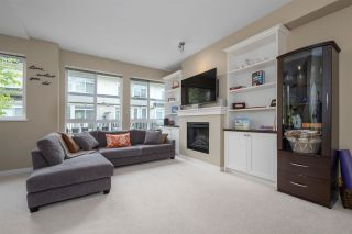 "Photo 3: 20 1125 KENSAL Place in Coquitlam: New Horizons Townhouse for sale in ""KENSAL WALK"" : MLS®# R2574729"