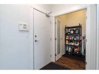 """Photo 19: 2504 10777 UNIVERSITY Drive in Surrey: Whalley Condo for sale in """"City Point"""" (North Surrey)  : MLS®# R2539376"""