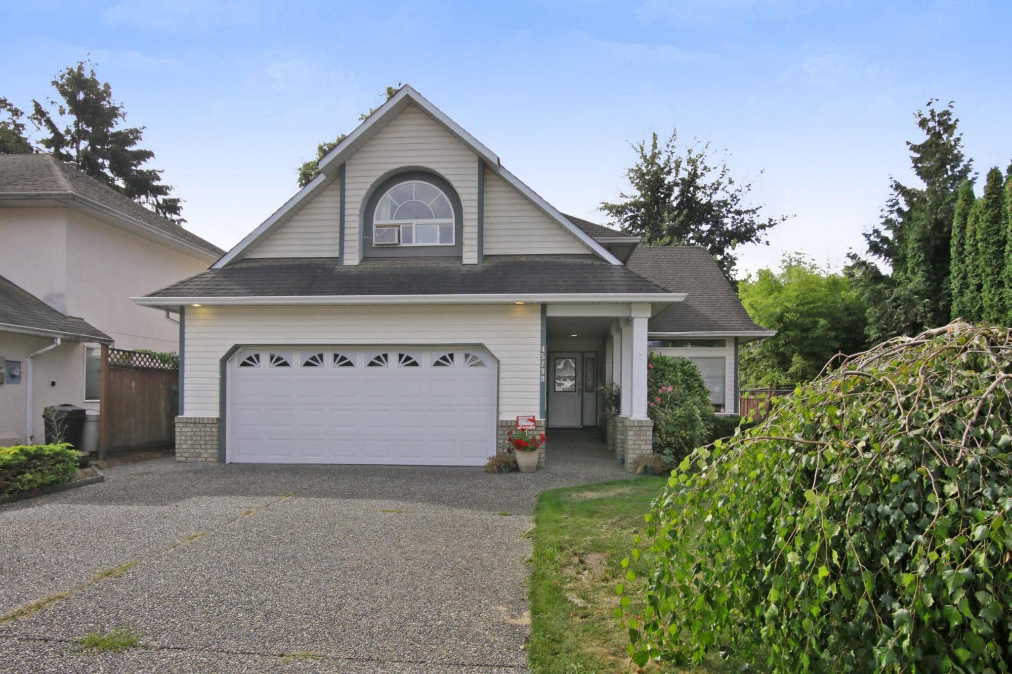 Main Photo: 45290 LABELLE Avenue in Chilliwack: Chilliwack W Young-Well House for sale : MLS®# R2319467