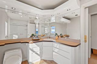 "Photo 29: 15414 VICTORIA Avenue: White Rock House for sale in ""White Rock"" (South Surrey White Rock)  : MLS®# R2568004"