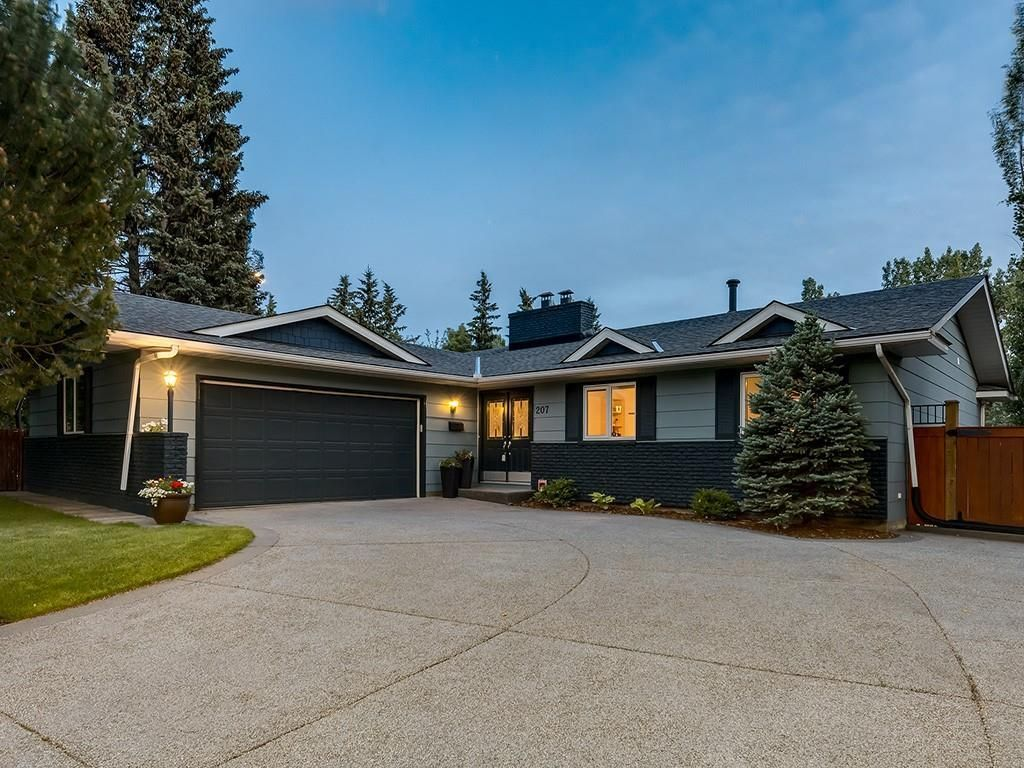 Main Photo: 207 WILLOW RIDGE Place SE in Calgary: Willow Park Detached for sale : MLS®# C4302398