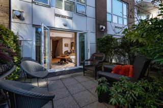 Photo 2: T25 888 BEACH AVENUE in Vancouver: Yaletown Townhouse for sale (Vancouver West)  : MLS®# R2347370