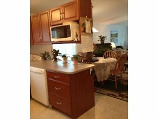 """Photo 3:  in Abbotsford: Central Abbotsford Manufactured Home for sale in """"Georgian Park"""" : MLS®# F1428759"""