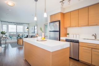 "Photo 1: 906 2770 SOPHIA Street in Vancouver: Mount Pleasant VE Condo for sale in ""Stella"" (Vancouver East)  : MLS®# R2255051"