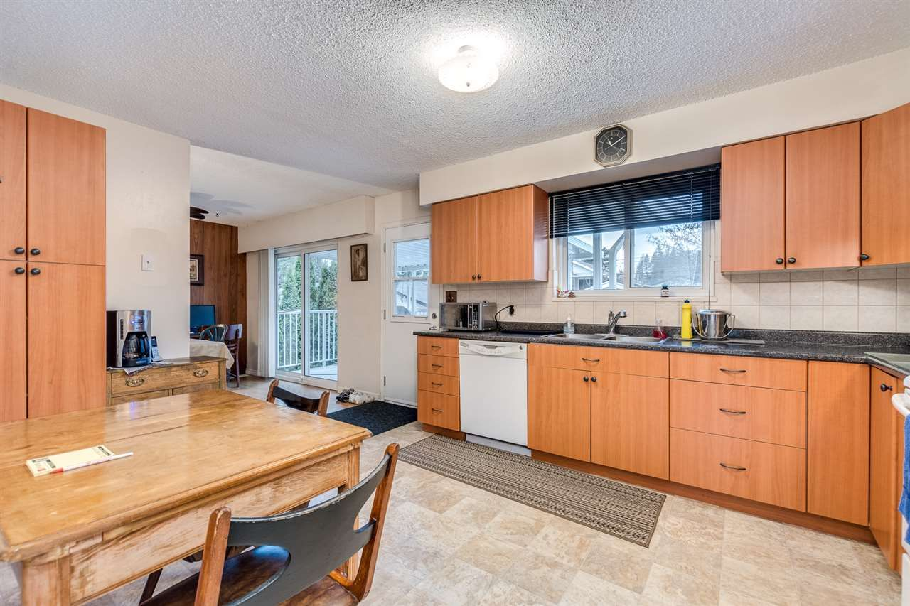 Photo 12: Photos: 3655 COAST MERIDIAN Road in Port Coquitlam: Glenwood PQ House for sale : MLS®# R2528909