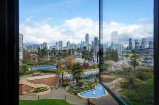 """Photo 11: 301 1470 PENNYFARTHING Drive in Vancouver: False Creek Condo for sale in """"Harbour Cove"""" (Vancouver West)  : MLS®# R2563951"""