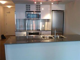 """Photo 5: 505 233 ROBSON Street in Vancouver: Downtown VW Condo for sale in """"TV TOWERS"""" (Vancouver West)  : MLS®# V854549"""