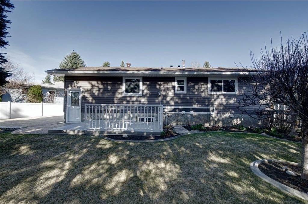 Photo 46: Photos: 210 OAKMOOR Place SW in Calgary: Oakridge House for sale : MLS®# C4111441