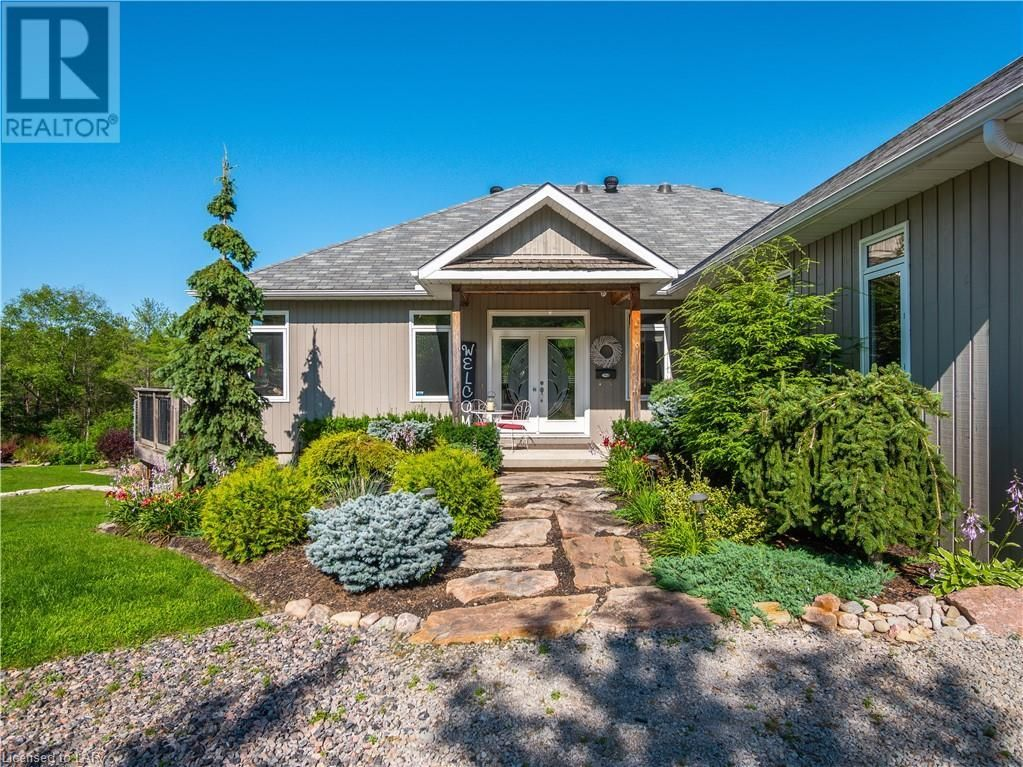 Main Photo: 4326 MARR LANE in Coldwater: House for sale : MLS®# 40149063