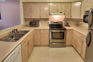 Photo 5: 101 1715 Richmond Ave in VICTORIA: Vi Jubilee Condo for sale (Victoria)  : MLS®# 832496