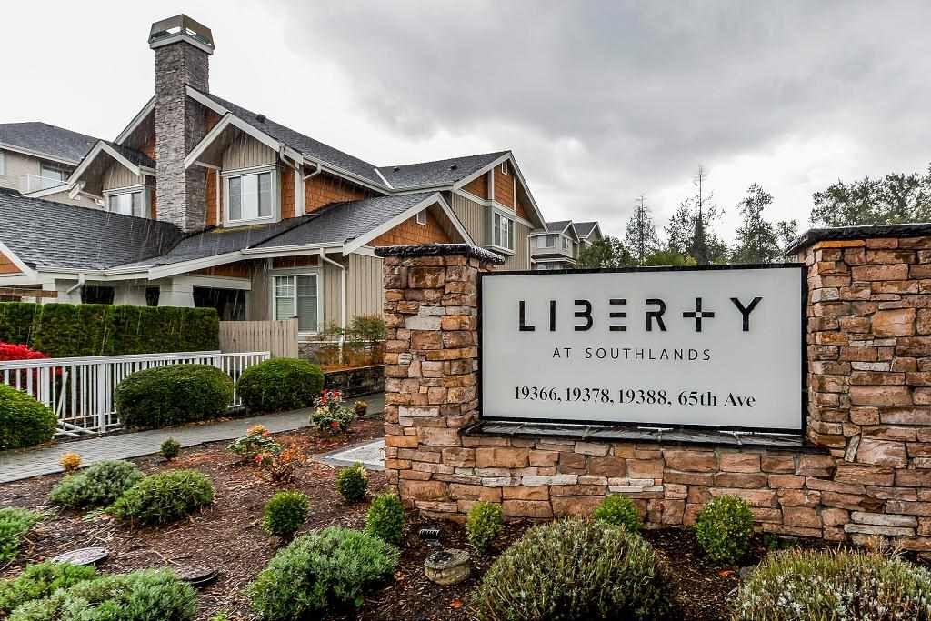 "Photo 2: Photos: 401 19366 65 Avenue in Surrey: Clayton Condo for sale in ""LIBERTY"" (Cloverdale)  : MLS®# R2213841"