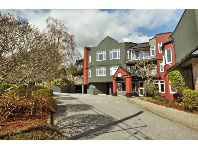 FEATURED LISTING: 211 - 2800 CHESTERFIELD Avenue North Vancouver